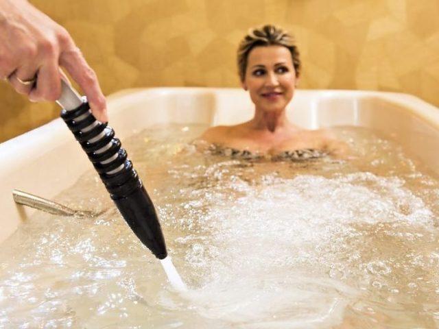 Подводный душ-массаж для похудения