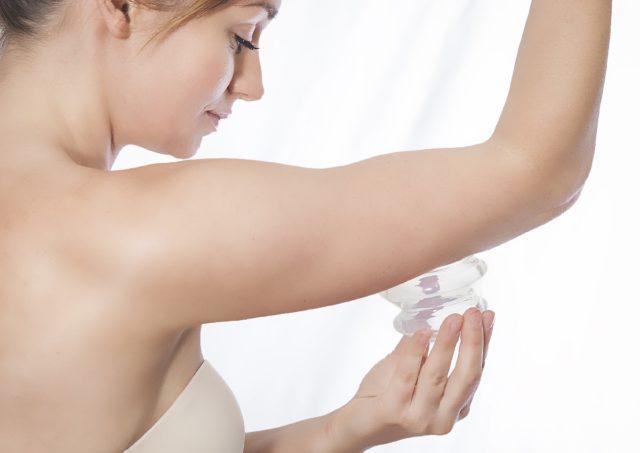 Вакуумный массаж рук