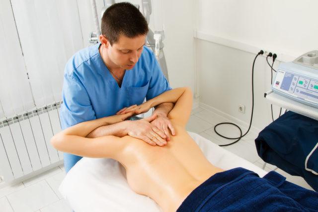 Снятие боли с помощью манульной терапии