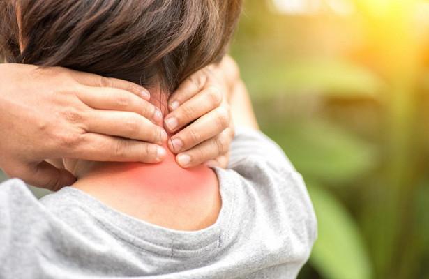 Боль в шее - показание для массажа