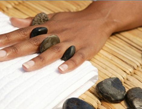 Самомассаж рук камнями
