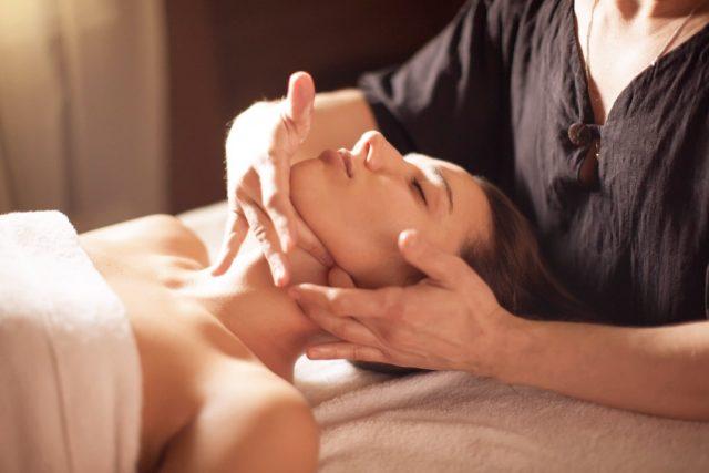 Остепатический массаж лица